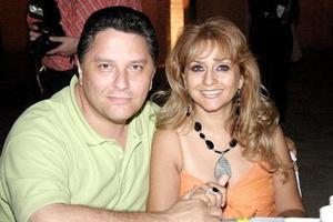 Rogelio Ramos y Lucy de Ramos.