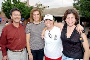Jesús Ortega, Trini de Romo, Paty Andre y Laura de Hernández.