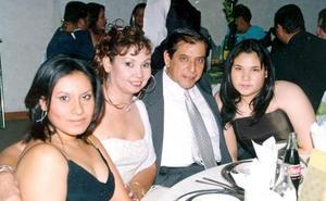 Lily, Ana María, Lupita y Jesús Ochoa Cebrián en pasado acontecimiento.