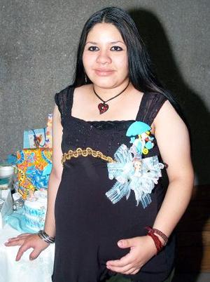 <b>11 de septiembre</b><p> Viviana Figuerola Rosales captada el día de su fiesta de canastilla