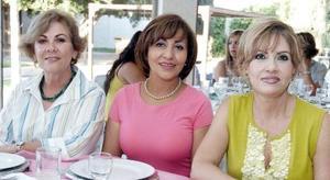 Chayito Martínez, Conchita Flores y Chayito Morales.