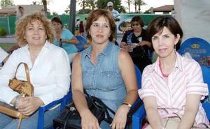 Rosario de Cuervo, Mireya de Rodríguez y Carolina de Landeros.