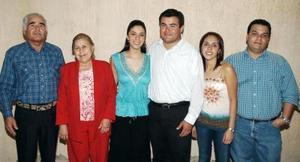 Marcela González  Jaimes e Ignacio Mireles Pámanes, en compañía de María Rodríguez, Roberto Fernández, Grizy Sonora y Gerardo Lastri.
