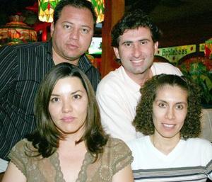 Gabriela Castillo, Adriana de Villalobos, Raúl Hernández y Carlos Villalobos.