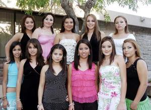 Estas son las candidatas para ser reina y princesa respectivamente, del Baile de Debutantes del Campestre de Gómez Palacio.