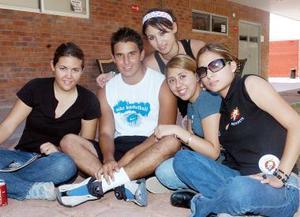 Aba Rosa Pérez, Alina Flores, Fanny Álvarez y Mariana Fuentes.