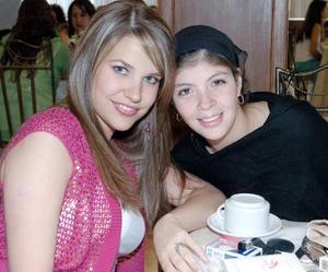 Gaby de Barrios y Roxana Montañez.