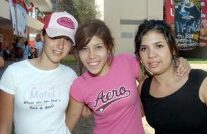 Lety Cantú, Judith Anhert y  Jaqueline Iracheta.