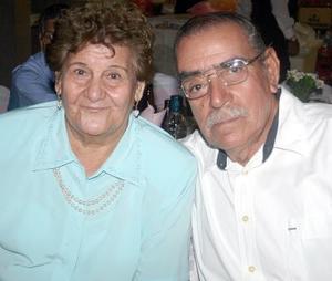 María Amada Aguilera y Sabino González.