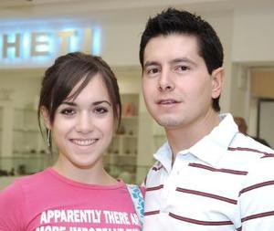 Jorge A. Rivera y Lorena Iturbide viajaron al DF.