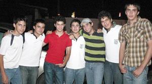 Luis Galán, Napo de la Garza, Guillermo Dávila, Carlos Montono, Felipe Ávila, Héctor Gallegos y Memo Jiménez.