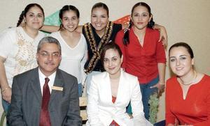 Gerardo Galindo, Lizeth Baltiérrez, Jéssica Ortiz, Lidia Gutiérrez, Claudia Ávila, Gabriela Alvarado y Daniela Martínez.