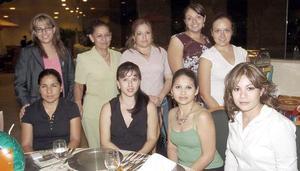 Elisama Rodríguez, Rocío Hoyos, Nancy Díaz, Patricia Barajas, Bárbara Salazar, Rubí Marrero, Rocío Marrero, Sofía Dávila y Juanis Carbajal.