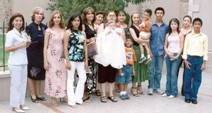 <b>17 de septiembre 2005</b><p> América Licerio, Noemí Saldaña, Blanca de Díaz, Gaby Ríos, Maricela Barrón, Reyna, Jenny, Nancy, María José, Rodrigo Miranda, Gerardo, Fany, Nancy, Alejandro y Luis Felipe.