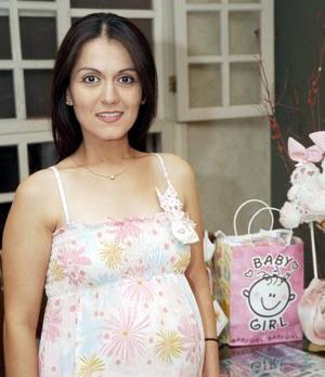 <b>16 de septiembre</b><p>  Sandra Villavicencio de Contreras fue festejada con una reunión de regalos, por el próximo nacimiento de su bebé.