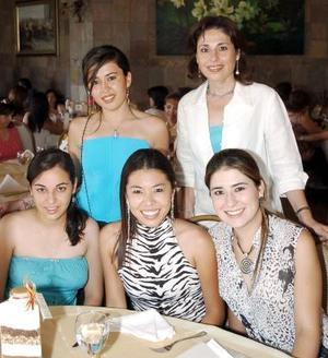 Fernanda Ríos, Emma Arellano, Ana María Borbolla, Paola Ríos y Teresa Bernal de Ríos.