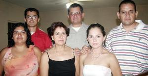 Cuquis de García, Victor García, Alis de García, Astrid de Herrera y José Juan Herrera Captados en reciente convivencia.