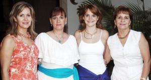 El martes pasado las socias del Club Gardenia celebraron su primera reunión donde su presidenta, Carmen Lomas de Ávalos, detalló el plan de trabajo.