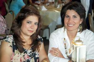 Martha Campuzano y Susana Aguirre.