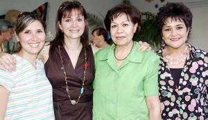 <b>16 de septiembre 2005</b><p> Mónica de Pérez, Ana de González, Bertha de Valdez y Bertha de González.