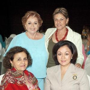 Ángeles de Milán, Vickie Tolentino de Hamdan, Karime CH. de Lee y Perlita L. de Pérez.
