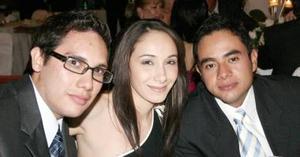 Daniel Labastida, Delia Cárdenas y Sixto Mendoza.