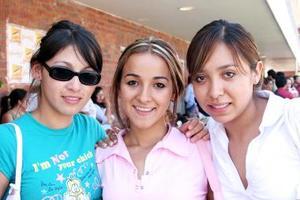 Mariana Fuentes, Thalía Gutiérrez y Larissa Ibdrra..