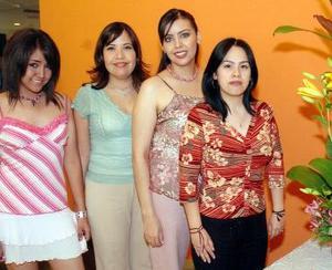 Alejandra Cepeda, Miriam Cepeda de Orth, Alma Rosa Leyón y Abril Cepeda Rubio.