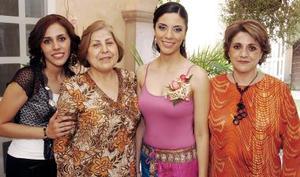 <b>18 de septiembre 2005</b><p> Marcela González Jaimes contraerá matrimonio en breve, por lo que le fue organizada una fiesta de despedida de soltera.