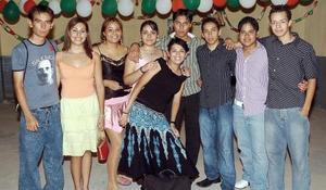Carlos de Alba, Ana Álvarez, Chantal González, Jéssica Domínguez, Daniel Pérez, Raúl Adame, Miriam Onofre, Roberto Rosales y Pavel Girmaldo.