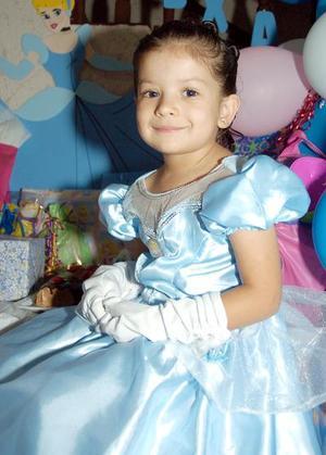 Alexa  Martínez Anaya en su fiesta de cumpleaños.