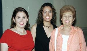 Lorena Valenzuela, Maribel Valenzuela y Alicia Guerra.