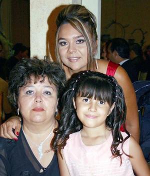 María Eugenia Vázquez Elizondo, Rebeca García Vázquez y Karina Marlene de la Torre.