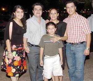 Rodolfo Serrano, Jaqueline Marín de Serrano, Rodolfo Serrano, Ana Karla Serrano y Gilberto  Alan Jiménez.
