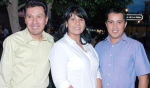 Salvador Díaz, Mary José Chavoya y Guillermo García.