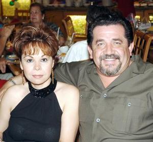 <b>18 de septiembre 2005</b><p> Willma de Núñez y Hassan Núñez.