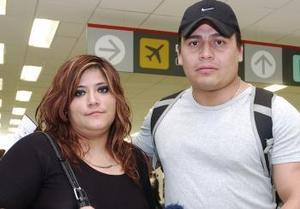José Luis Hurtado viajó a México y fue despedido por su esposa.
