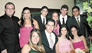 Javier Cofiño, Brenda Díaz, Paco Reyes, Luly Cepeda, Pepe Romo, César Cepeda, Paty Jiménez y Gustavo Jiménez, Maritrini Romo y Lorena Cepeda.