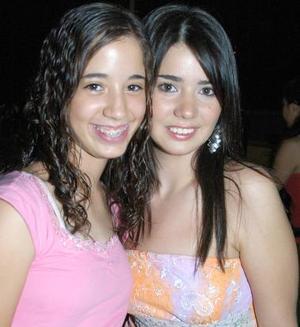 Ale Martínez y Anabel Salas.
