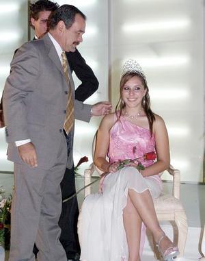 Georgina Martínez Porras, es la nueva reina del Club Campestre de Gómez.