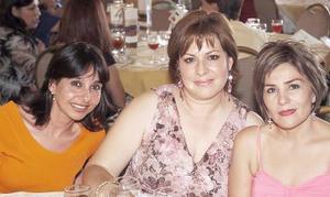 <b>19 de septiembre 2005</b><p> Tamara de González, Delia Enderi de Garza y Beatriz Aguirre Prieto.