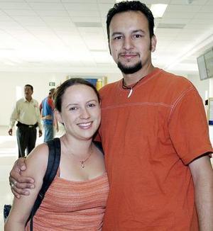 Armando Luévano y Katy Ortega vivjaron al DF.