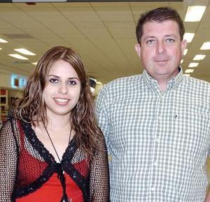 Antonio Verduzco y Katy Ortega viajaron al DF.