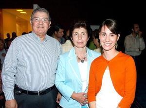 Armando García Triana, Io Camil de García Triana y Bárbara Carzón.