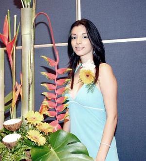 <b>21 de septiembre 2005</b><p> Norma Iraís Zuazua Peña disfrutó de una fiesta de despedida.