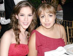 Ivette Cornú y Magda Navarro.