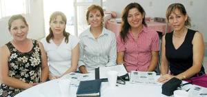 Juanita de Ortiz, Lourdes de Cepeda, carmen Lavín de Fernández, Paty de Aguilera y Rosy Torres.