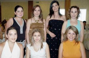 <b>23 de septiembre 2005</b><p> Olga Sanchéz de Peréz recibió inumerables felicitaciones de sus amigas, en el festejo de canastilla que le ofrecieron por el cercano nacimiento de su bebé.