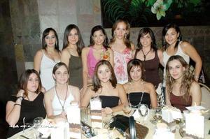Muy agradable estuvo la despedida de Karla Ríos Serna, quien se vio muy feliz con todas sus amigas.