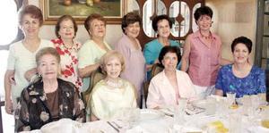 <b>24 de septiembre 2005</b><p>  Georgina de García, Covadonga de Del Moral, Yolanda de Pedroza, Elva de González, Rosario de De la Garza, Olga de Calderón, Cuquita de Martínez, Rosario de Martínez, Pily de León y tere de Luna.